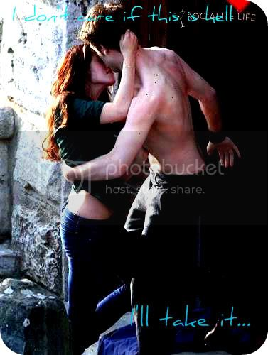 kissing new moon Pictures, Images and Photos