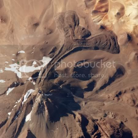 Llullaillaco volcano, Argentina-Chile border (ISS astronaut photograph, 9 Dec 2009)